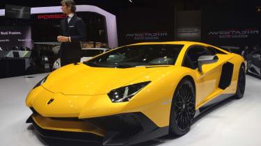 Lamborghini Aventador SV将740bhp v12带到日内瓦