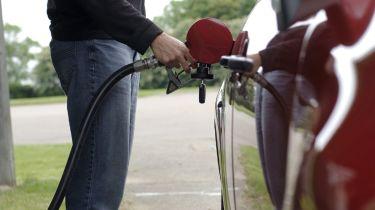 驱车关闭汽油盗窃迫使车库关闭