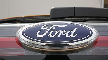 福特和亚马逊合作伙伴开发连接和自治车