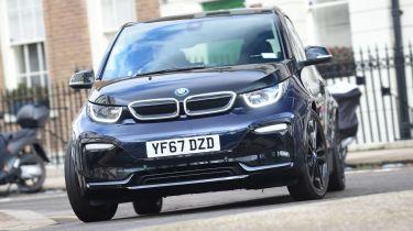 BMW I3价格削减了新的插件汽车补助金
